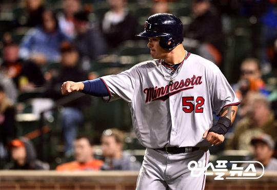 2016.06.18 - vs New York- Yankees, '강속구도 문제없다'…열흘 만에 시즌 12호 홈런.jpg
